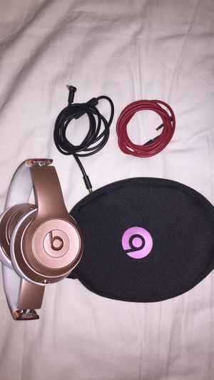 Beats solo 3 wireless rose gold for Sale in Fort Lauderdale, FL