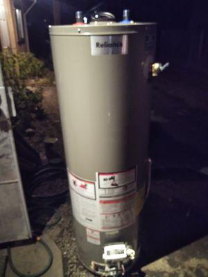 40 gallon hot water heater gas for Sale in Modesto, CA