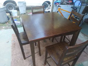 Dining Table Set (4 chairs included) for Sale in Hapeville, GA