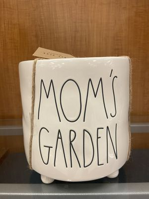 Moms garden planter- with tags for Sale in St. Petersburg, FL
