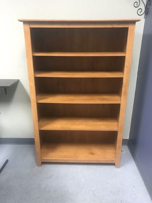 2 Oak bookshelves for Sale in Las Vegas, NV