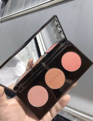Becca Blushed with Light Trio Palette for Sale in Manteca, CA