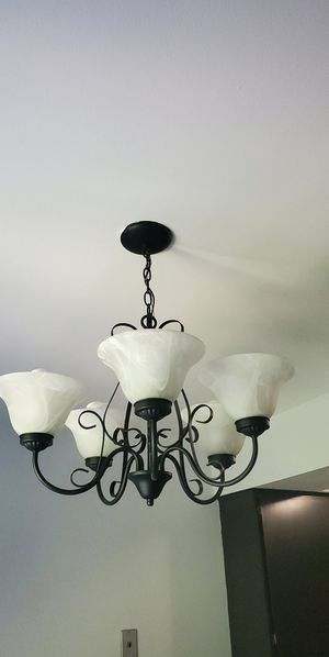 Kitchen/Dining Chandelier for Sale in Warren, MI
