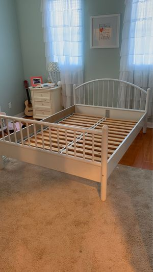 Full Size bed frame-white for Sale in Corona, CA