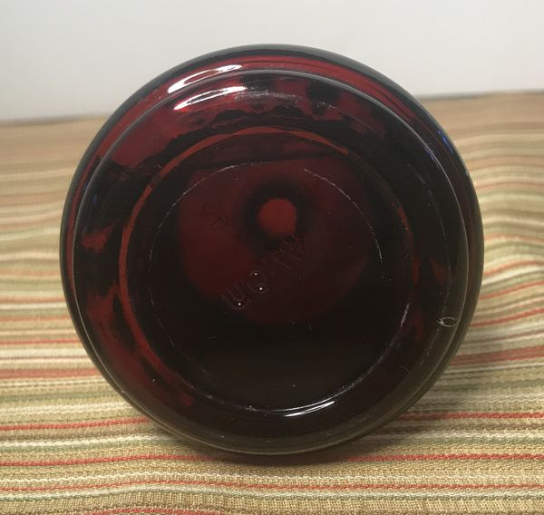 D0089 Avon Cape Cod red glass bells