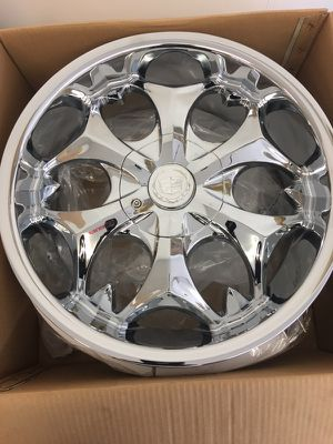 Rims 18 inch for Sale in Cleveland, OH