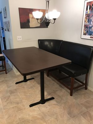 Table and nook for Sale in San Diego, CA