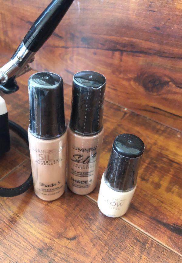 Air brush makeup kit- barely used!