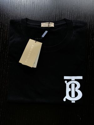 Black Burberry t shirt for Sale in Miami Beach, FL