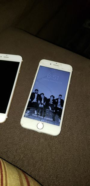iPhone 6 y 8 for Sale in Fresno, CA
