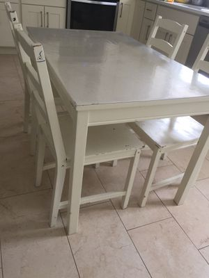 Dinning table with chair for Sale in Silver Spring, MD