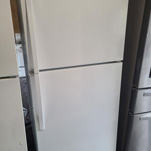 refrigerator top freezer whirlpool for Sale in North Tustin, CA