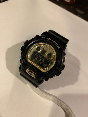 G-shock black and gold for Sale in Tacoma, WA