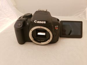 Canon t5i 700d DSLR camera body only with battery and charger for Sale in San Diego, CA