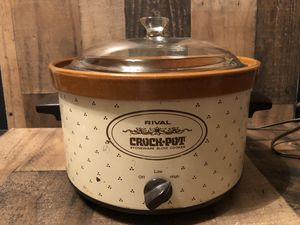Vintage 70's Rival 4 Qt. Crock Pot Slow Cooker 3104 Tested & Works 3104/1 for Sale in Fresno, CA
