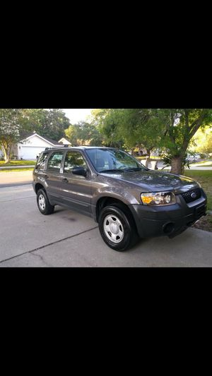 2005 Ford Escape XLS 5-Speed Rare Set Up to Flat Tow Behind RV W/Tow Bar RV Toad for Sale in Valrico, FL