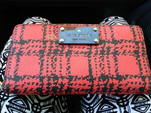Kate spade new York wallet for Sale in Los Angeles, CA
