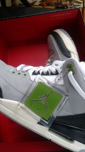 1pair air jordans and 3 pairs nike shoes all in box size 12 for Sale in St. Petersburg, FL