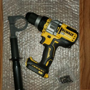 DEWALT 20-Volt MAX Lithium Ion Cordless Brushless 1/2 in. Hammer Drill/Driver with FLEXVOLT ADVANTAGE (Tool Only) for Sale in Bakersfield, CA