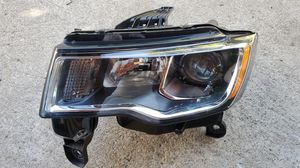 2017 2018 2019 JEEP GRAND CHEROKE HALOGEN HEADLIGHT OEM LEFT DRIVER SIDE for Sale in Lawndale, CA
