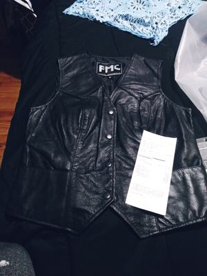 Small vest fits like. Small medium (from Harley in vacaville ) for Sale in Vallejo, CA