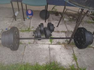 100 pound weight set with bar for Sale in Tampa, FL