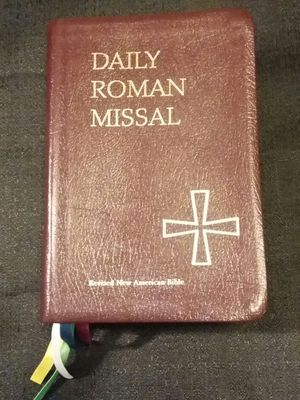 Daily Roman Missal Catholic Book Sixth Edition 2004 for Sale in Wenatchee, WA