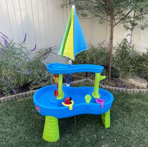 Step 2 water table with umbrella for Sale in San Marcos, CA