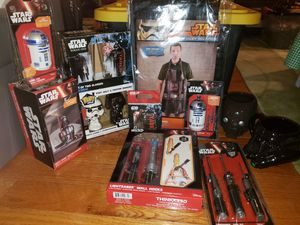 Bundle Disney Star Wars for Sale in Camden, NJ