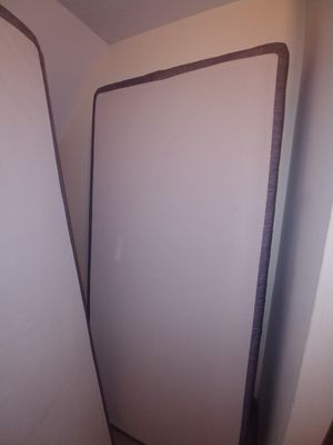 Serta King Size Box Springs for Sale in Columbus, OH