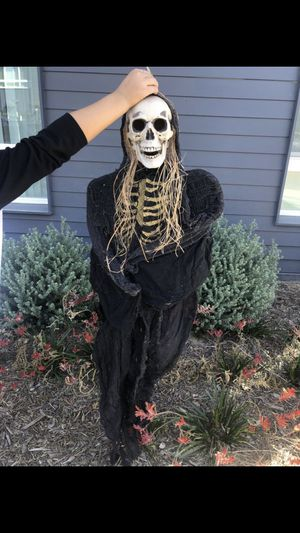 Bundle deal!!! Halloween party decor and equipment for Sale in Los Angeles, CA