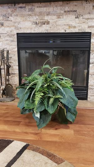 Beautiful artificial house plant for Sale in Bloomington, IL