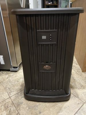 Aircare EP9 800 digital humidifier for Sale in Elgin, IL