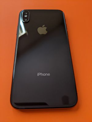 iPhone X 64GB, factory unlocked, NO TRADES. for Sale in Kissimmee, FL