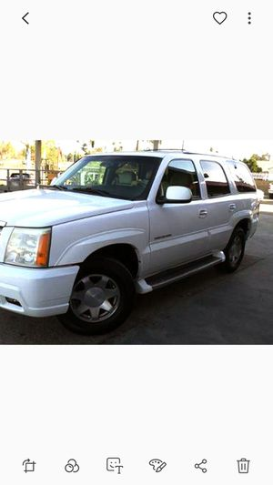 White Cadillac Escalade 4x4 Auto v8 Luxury SUV truck! Premium Bose Sound, Fully Loaded, Heated Seats, 3rd Row, Sunroof for Sale for sale  Newark, NJ