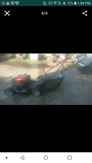 Lawnmower craftsman self propelled 6.75hp in excellent conditions for Sale in Bell Gardens, CA