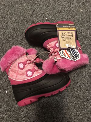 New baby girl size 9c winter boots for Sale in Columbus, OH