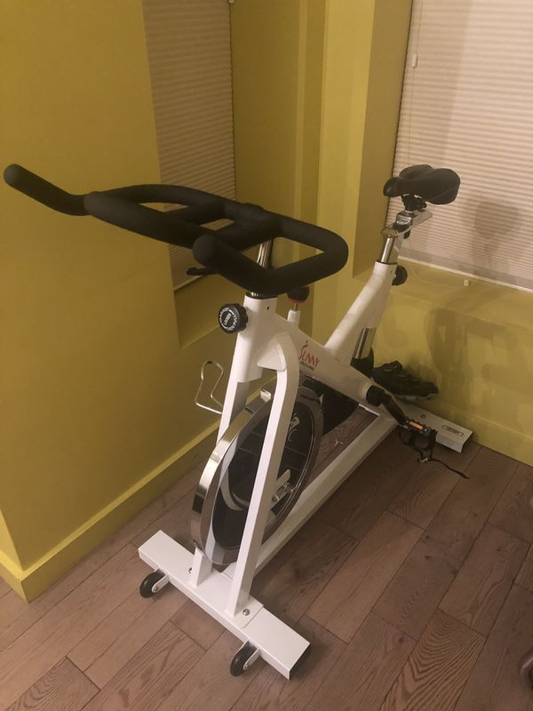 Sunny SF-B1110 Indoor Cycling Bike- brand new assembled