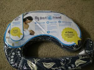 My Brest friend nursing pillow for Sale in Gaithersburg, MD
