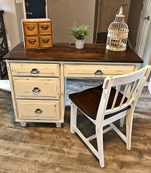 Farmhouse desk for Sale in Bartow, FL