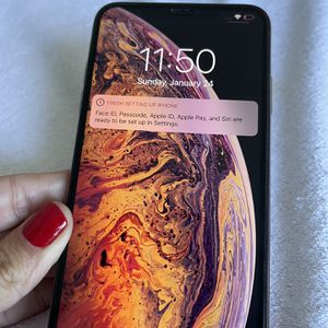 iPhone XS MAX for Sale in Fullerton, CA