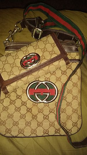 2PC CROSSBODY HANDBAG SMALL SIZE WITH WALLET for Sale in Detroit, MI