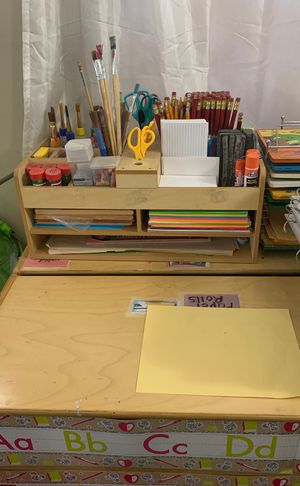 Arts and Craft/ School Supply Holder for Sale in Los Angeles, CA