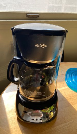 Mr. coffee maker/coffee pot black for Sale in Claremont, CA