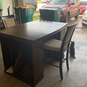 Game/breakfast Bar Table With 2 Stools for Sale in Rosharon, TX