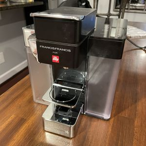 illy francis Francis Coffe Maker Y5 Milk for Sale in Rockville, MD
