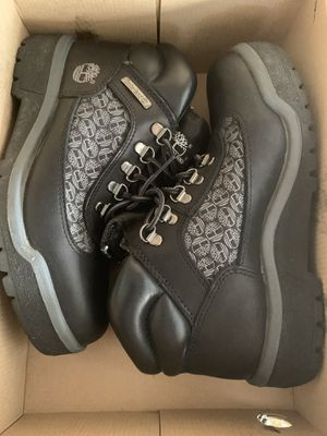 Women's Black and Gray Field Timberland Boots with Logo for Sale in Antioch, CA