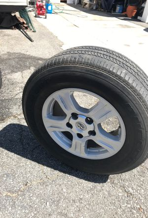 Toyota 18' rims and tires for Sale in Monrovia, CA