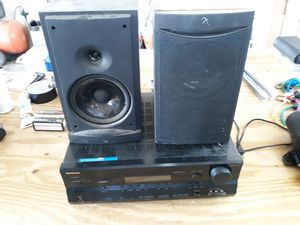 ONKYO HD STEREO WITH 2 INFINITI SPEAKERS for Sale in Lake Wales, FL