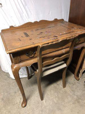Desk & Chair for Sale in Lexington, KY